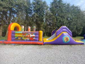Scooby-Doo Obstacle Course with Slide